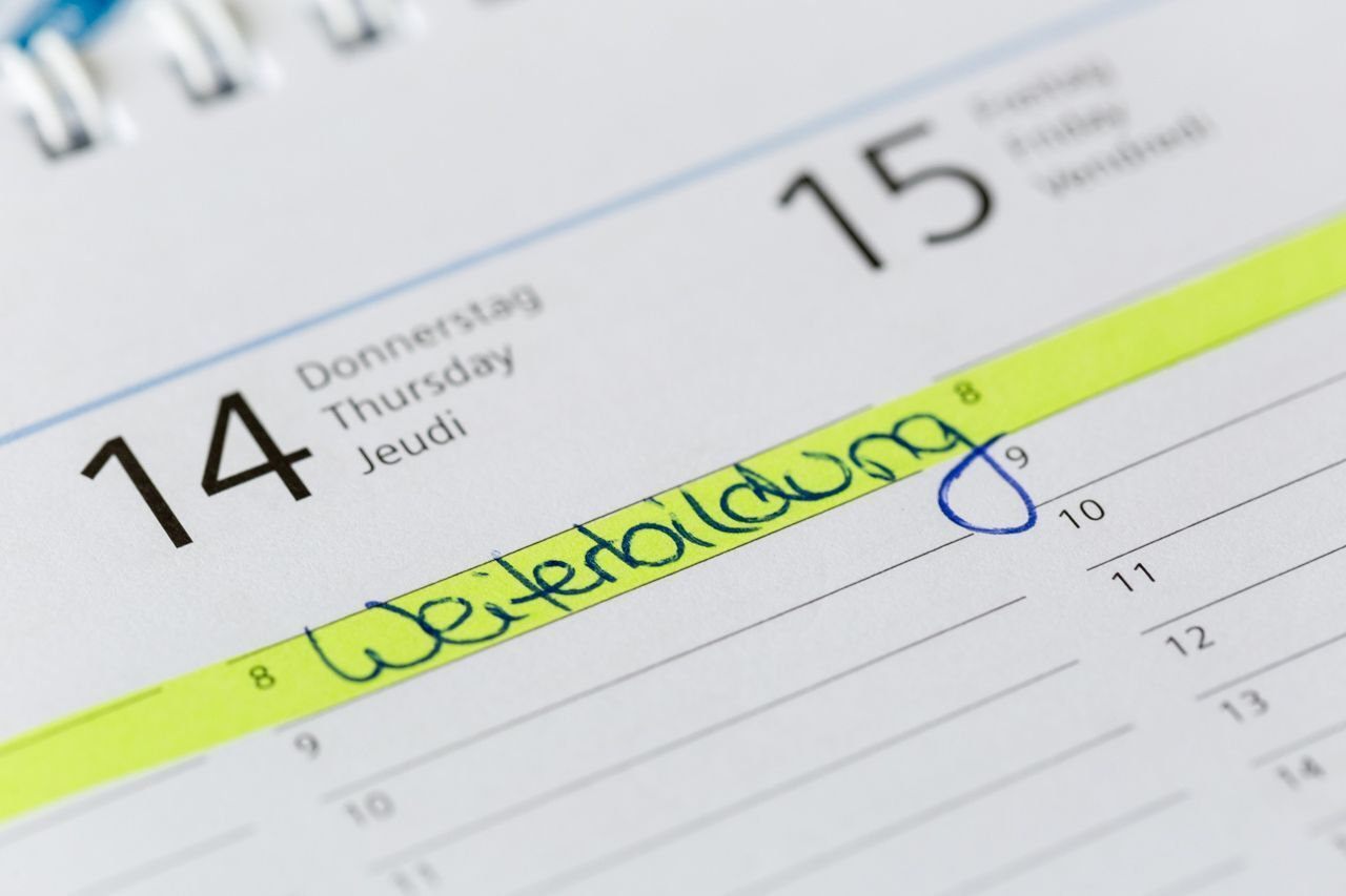"e word ""Weiterbildung"" written on a calendar"